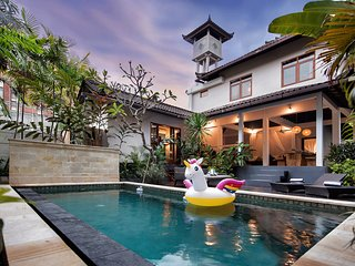 Unicorn Shelter villa **center Seminyak** 10 min to the beach