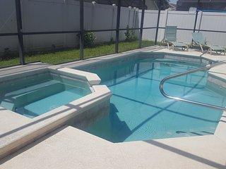 10 min to Diz - 4 bed 4 bath - Pool & Spa - Abaco Villa - Bass Lake Estates