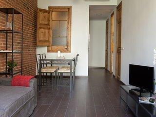 Alojamiento con WiFi y balcon en Eixample