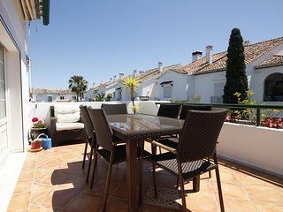 Penthouse 3 bed apartment at El Presidente between Puerto Banus and Estepona