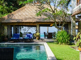 Anjani Villa - Great Beachfront  5 Bedroom Villa