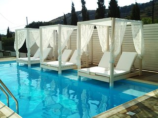 Andros Luxury House (2adults+2child Family Sea View)