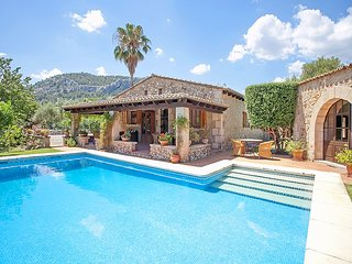 Villa Alyvos - An authentic Mallorcan finca with stunning rural vistas located i