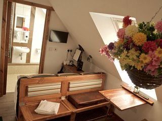 Accommodation En Suite on the Door Step of Balmaha - Bedroom 5 first floor