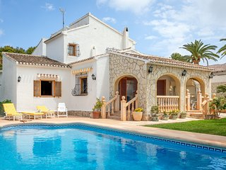 Traditional Spanish holiday villa up to 9 people, with private pool
