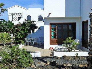 Roomy, sunny beachside apartment amidst Fuerteventura's Cotillo Lagoon beaches