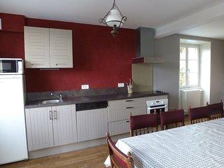 Grande maison au calme dans le Cantal près de Salers et du Puy Mary