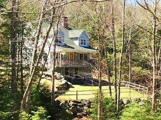 Hidden Nook: Quiet & Secluded - Minutes from Downtown & Acadia National Park