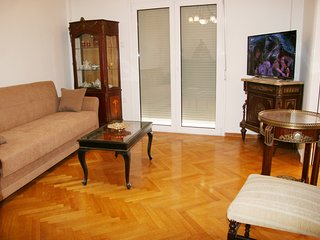 Acropolis Gate prime location classical apartment