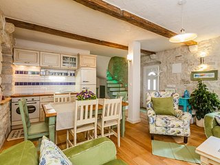Exquisite 4* 2-floor 2-BR Stone Apartment in Charming Town near Split & Trogir