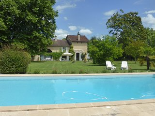 Spacious farmhouse gite and pool in extensive grounds