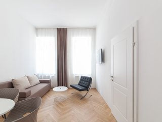 #11 Cube 70 - Dein stilvolles Altbauapartment in Wien (Large, Maximum 4 Pax)