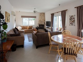 Totally private 4 bedroomed villa with large pool and stunning views.