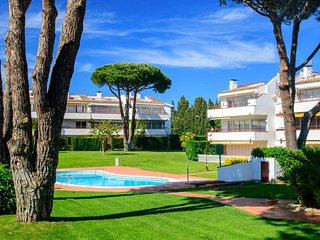 Calella de Palafrugell Apartment Sleeps 4 with Pool - 5247021
