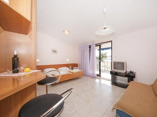 Aparthotel eM Ka- Studio with Sea View (4 Adults) - A6