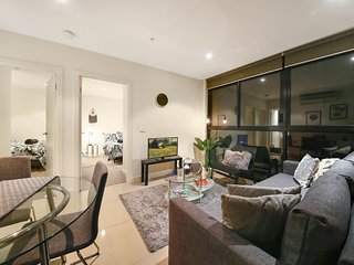 2BR Cozy CBD Suite Near BOURKE ST MALL + FREE WiFi