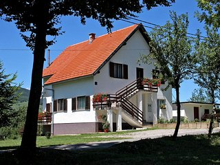 Two bedroom apartment Smoljanac (Plitvice) (A-5194-b)