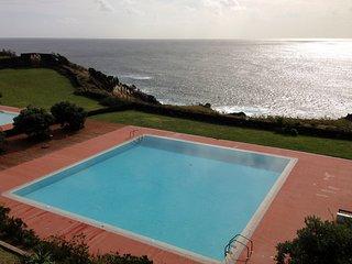 Vivenda Moura - Casa com Piscina na Caloura
