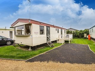 10003 - 3 bed 8 Berth Caravan, close to facilities, pets welcome.