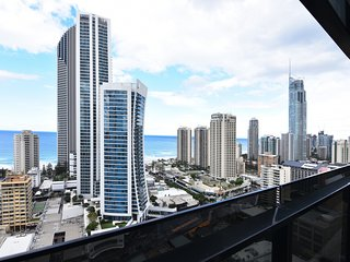Imperial Views at Surfers Paradise (FREE Parking)