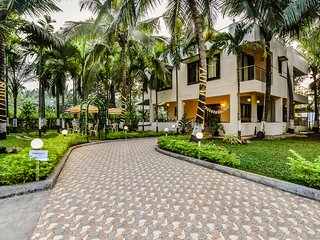 Palmeraie -A Serene Calm Luxury villa(4bedroom & living room) at Nagaon, Alibaug