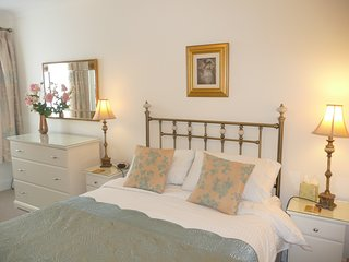 double ensuite room with king size bed and TV/DVD