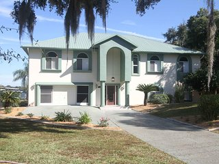 Manatee Manor-  Experience million dollar views!!