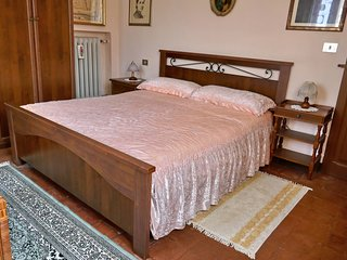 BED AND BREAKFAST IL CANTASTORIE - CASA MOLINARI-BOLDRINI - CAMERA DEI RITRATTI