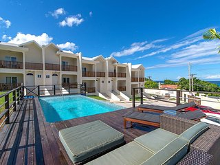 Family Complex near Beach w/Pool Montego Bay #1