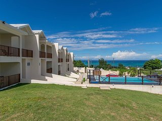 Family Complex beside Beach w/Pool Montego Bay #2