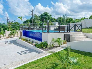 Luxury 2BR Home facing Beach w/Pool Montego Bay #5