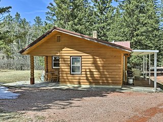 NEW-Black Hills Historic Log Cabin w/Grill & Deck!