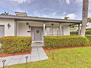 NEW! Chic Hollywood Home w/Patio- 2 Mi. From Beach