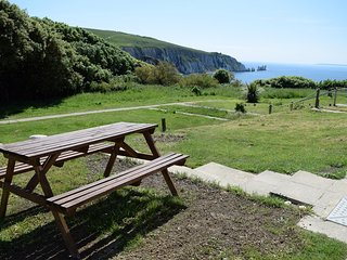 Needles View - amazing sea and country views, ground floor 2 bedroom cottage
