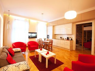 5 mins to The Wawel Castle Enormous Luxury Avangarde Apartment