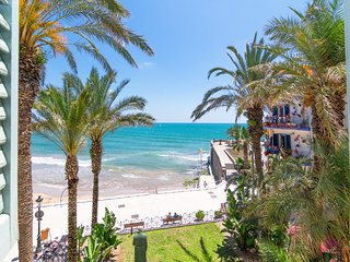 S5 Superior Sea Views - San Sebastian Front Beach- Tourist Apartments in Sitges,