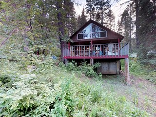 NEW LISTING! Dog-friendly cabin w/peaceful lake views, great outdoor space