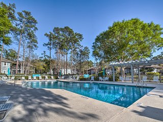 NEW! Chic North Myrtle Beach Condo-5 Mins to Beach