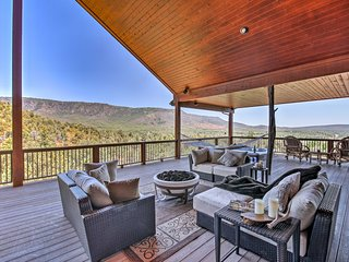 'AZ Rim Retreat' in Pine w/Deck, Hot Tub, & Views!
