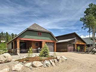 NEW! 3BR Grand Lake Cabin in the Heart of Town!