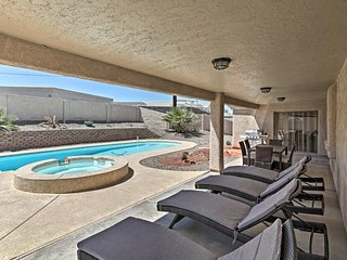 Family Home w/Fire Pit & BBQ ~3 Mi to Lake Havasu