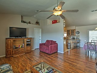 NEW! Charming Lake Havasu City Home w/ Mtn Views