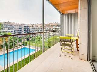Bright 1 bed flat with swimming pool in Poble Nou