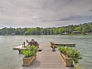 'Arcade Cove' - Lake Martin Home w/ Private Dock!