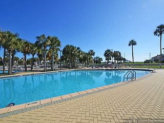 Beautiful Updated 2BR/2BA Amalfi Condo Right Across from Beach!