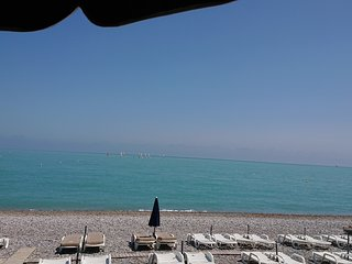 Villeneuve-Loubet Apartment 2BR on beach with shared pool