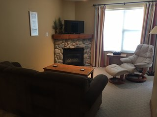 Peedie Star - 3rd Floor Condo - Sleeps 7 - Pet Friendly Too!