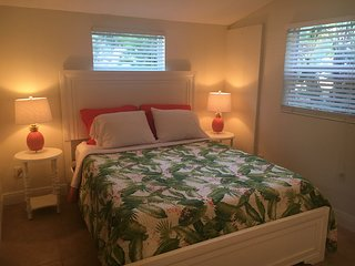 Florida - Room with private bath close to airport/beach/cruise port/city center