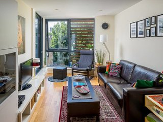 Cosy and bright 2Bed/2Bath Flat in Southwark