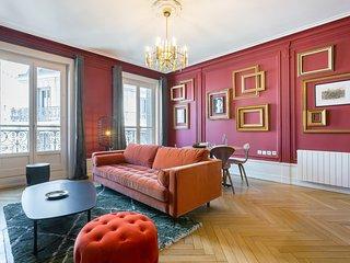 Carnot - quartier Grollée- grand espace à vivre, magnifique appartement avec bal